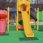Катерушка на детската площадка