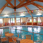 Закритият басейн в хотелски комплекс Предел