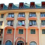 Главният вход на хотелския комплекс
